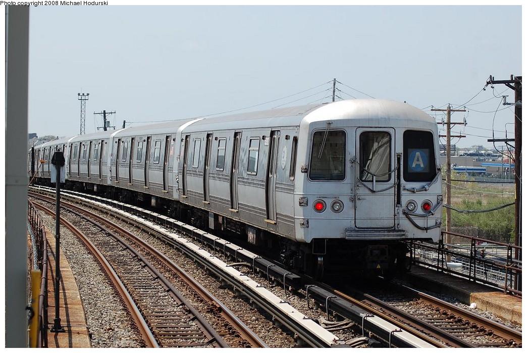 (272k, 1044x699)<br><b>Country:</b> United States<br><b>City:</b> New York<br><b>System:</b> New York City Transit<br><b>Line:</b> IND Rockaway<br><b>Location:</b> Beach 105th Street/Seaside <br><b>Route:</b> A<br><b>Car:</b> R-44 (St. Louis, 1971-73) 5292 <br><b>Photo by:</b> Michael Hodurski<br><b>Date:</b> 5/3/2008<br><b>Viewed (this week/total):</b> 1 / 1730