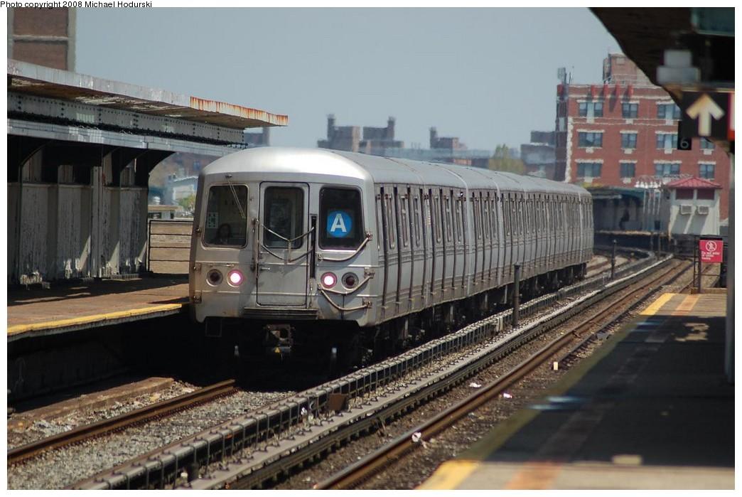 (212k, 1044x699)<br><b>Country:</b> United States<br><b>City:</b> New York<br><b>System:</b> New York City Transit<br><b>Line:</b> IND Rockaway<br><b>Location:</b> Beach 105th Street/Seaside <br><b>Route:</b> A<br><b>Car:</b> R-44 (St. Louis, 1971-73) 5400 <br><b>Photo by:</b> Michael Hodurski<br><b>Date:</b> 5/3/2008<br><b>Viewed (this week/total):</b> 1 / 1691