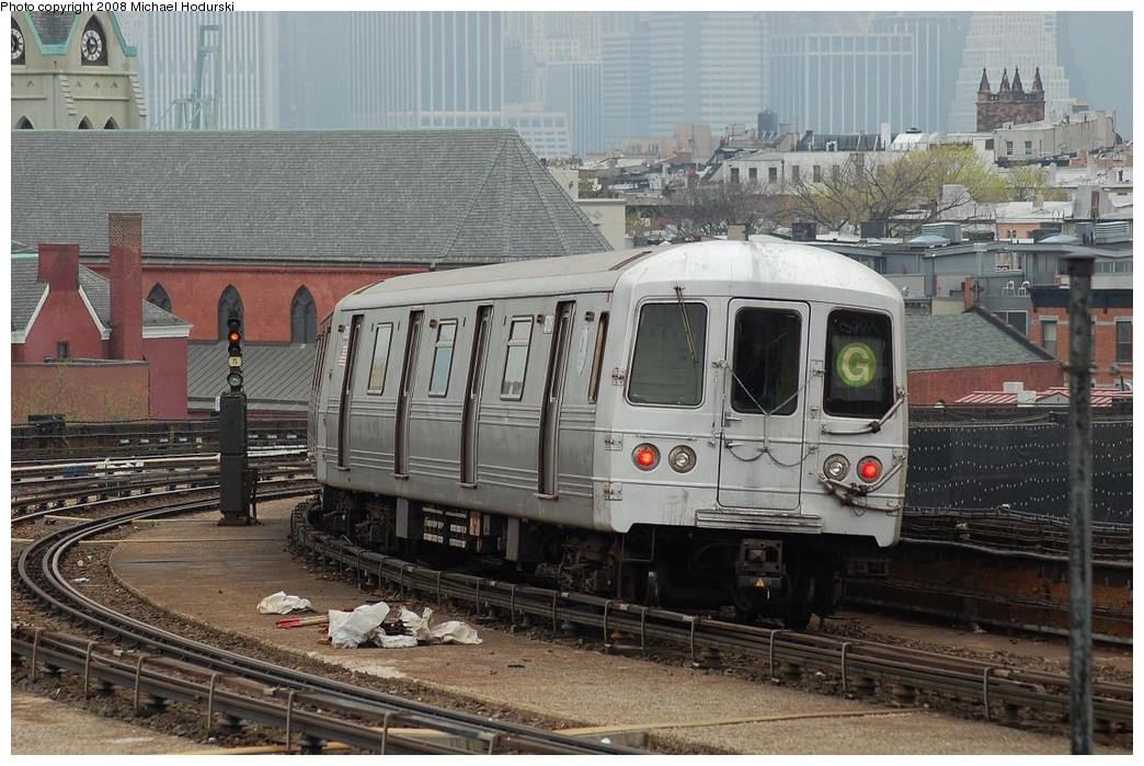 (258k, 1044x699)<br><b>Country:</b> United States<br><b>City:</b> New York<br><b>System:</b> New York City Transit<br><b>Line:</b> IND Crosstown Line<br><b>Location:</b> Smith/9th Street <br><b>Route:</b> G<br><b>Car:</b> R-46 (Pullman-Standard, 1974-75) 5728 <br><b>Photo by:</b> Michael Hodurski<br><b>Date:</b> 4/19/2008<br><b>Viewed (this week/total):</b> 2 / 1979