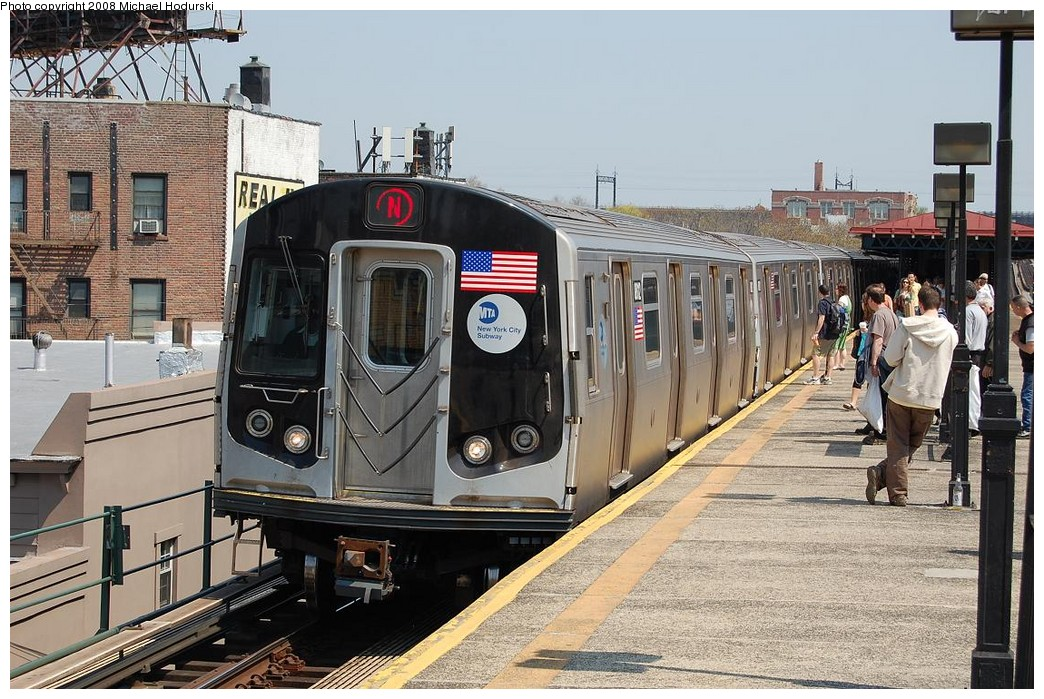 (275k, 1044x699)<br><b>Country:</b> United States<br><b>City:</b> New York<br><b>System:</b> New York City Transit<br><b>Line:</b> BMT Astoria Line<br><b>Location:</b> Ditmars Boulevard <br><b>Route:</b> N<br><b>Car:</b> R-160B (Kawasaki, 2005-2008)  8812 <br><b>Photo by:</b> Michael Hodurski<br><b>Date:</b> 4/18/2008<br><b>Viewed (this week/total):</b> 0 / 2533