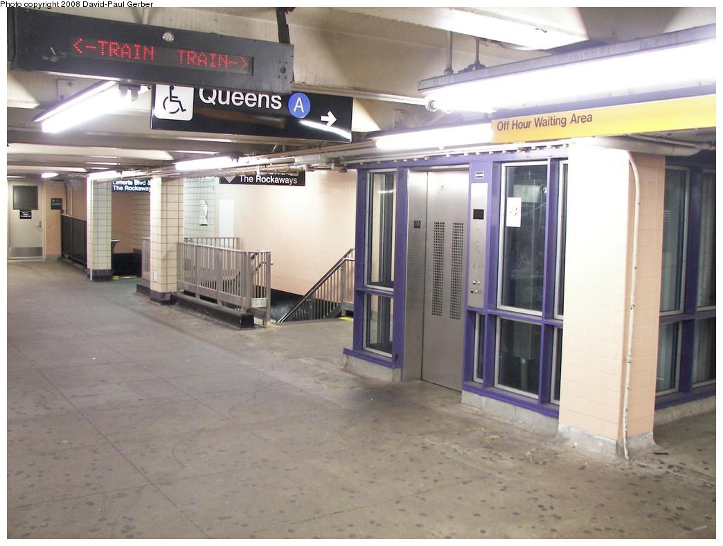 (259k, 1044x788)<br><b>Country:</b> United States<br><b>City:</b> New York<br><b>System:</b> New York City Transit<br><b>Line:</b> IND Fulton Street Line<br><b>Location:</b> Euclid Avenue <br><b>Photo by:</b> David-Paul Gerber<br><b>Date:</b> 6/11/2008<br><b>Notes:</b> Mezzanine.<br><b>Viewed (this week/total):</b> 0 / 1556