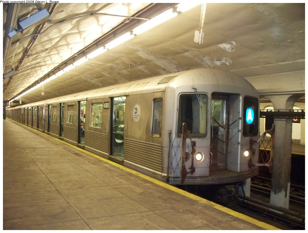 (208k, 1044x788)<br><b>Country:</b> United States<br><b>City:</b> New York<br><b>System:</b> New York City Transit<br><b>Line:</b> IND 8th Avenue Line<br><b>Location:</b> 190th Street/Overlook Terrace <br><b>Route:</b> A<br><b>Car:</b> R-42 (St. Louis, 1969-1970)  4585 <br><b>Photo by:</b> Glenn L. Rowe<br><b>Date:</b> 6/12/2008<br><b>Viewed (this week/total):</b> 0 / 1640