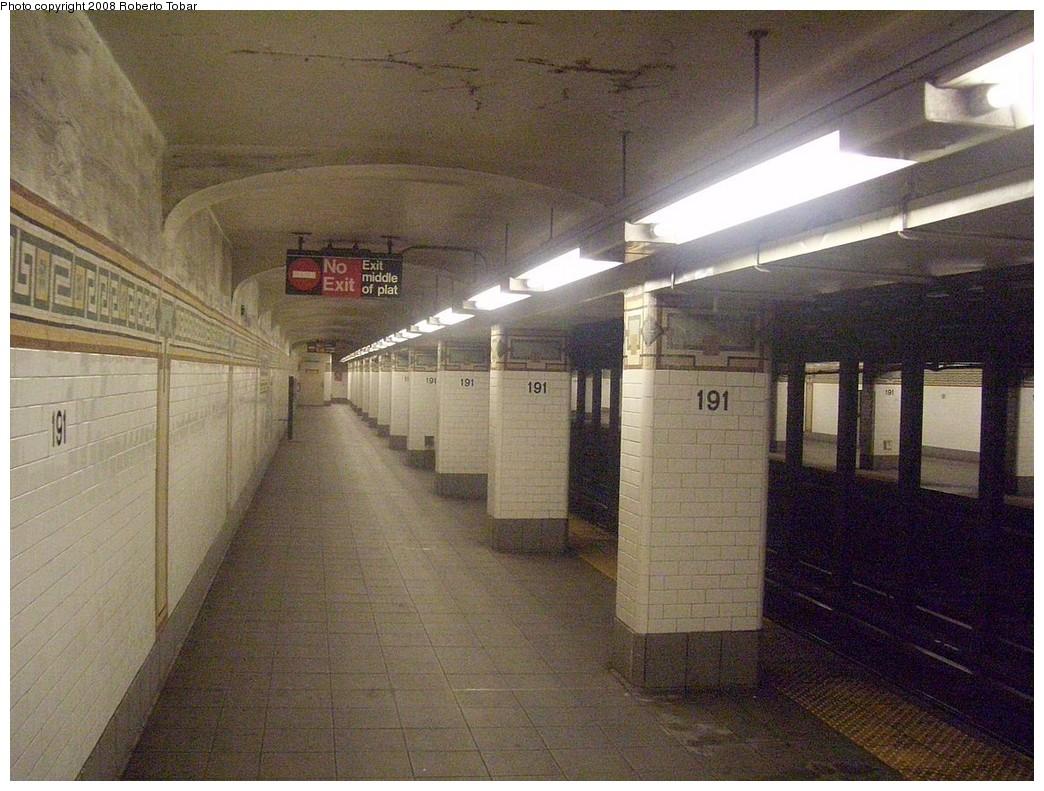(248k, 1044x791)<br><b>Country:</b> United States<br><b>City:</b> New York<br><b>System:</b> New York City Transit<br><b>Line:</b> IRT West Side Line<br><b>Location:</b> 191st Street<br><b>Photo by:</b> Roberto C. Tobar<br><b>Date:</b> 6/14/2008<br><b>Notes:</b> Platform view.<br><b>Viewed (this week/total):</b> 0 / 3349