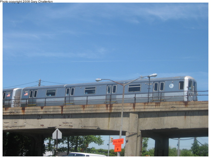 (104k, 820x620)<br><b>Country:</b> United States<br><b>City:</b> New York<br><b>System:</b> New York City Transit<br><b>Line:</b> IND Rockaway<br><b>Location:</b> Beach 105th Street/Seaside <br><b>Route:</b> A<br><b>Car:</b> R-44 (St. Louis, 1971-73) 5342 <br><b>Photo by:</b> Gary Chatterton<br><b>Date:</b> 6/11/2008<br><b>Notes:</b> View from Beach 108th. Closest station Beach 105th.<br><b>Viewed (this week/total):</b> 2 / 1787