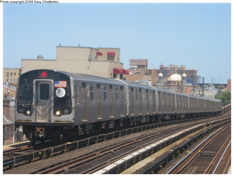 (111k, 820x620)<br><b>Country:</b> United States<br><b>City:</b> New York<br><b>System:</b> New York City Transit<br><b>Line:</b> BMT Astoria Line<br><b>Location:</b> Broadway <br><b>Route:</b> N<br><b>Car:</b> R-160B (Kawasaki, 2005-2008)  8713 <br><b>Photo by:</b> Gary Chatterton<br><b>Date:</b> 6/12/2008<br><b>Viewed (this week/total):</b> 0 / 1932