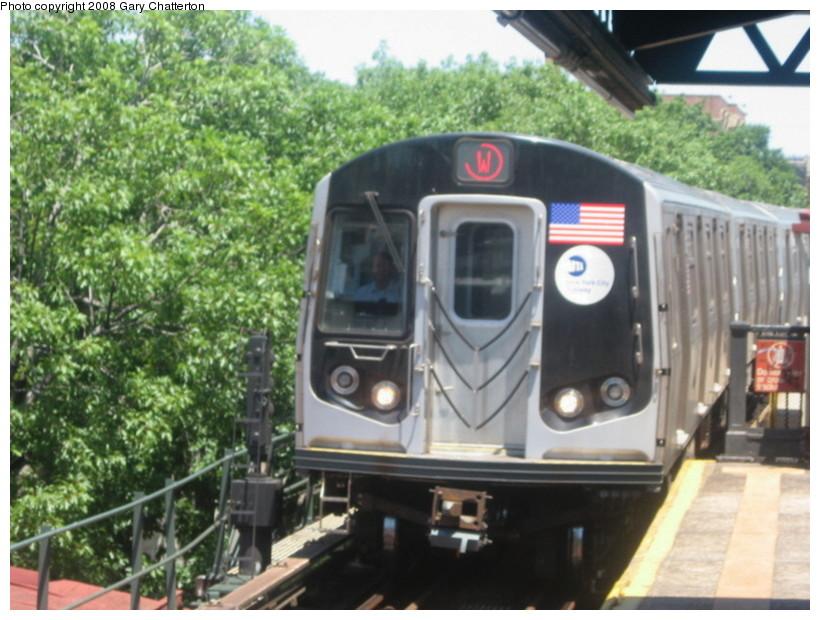 (144k, 820x620)<br><b>Country:</b> United States<br><b>City:</b> New York<br><b>System:</b> New York City Transit<br><b>Line:</b> BMT Astoria Line<br><b>Location:</b> Astoria Boulevard/Hoyt Avenue <br><b>Route:</b> W<br><b>Car:</b> R-160B (Kawasaki, 2005-2008)  8853 <br><b>Photo by:</b> Gary Chatterton<br><b>Date:</b> 6/12/2008<br><b>Viewed (this week/total):</b> 0 / 2161