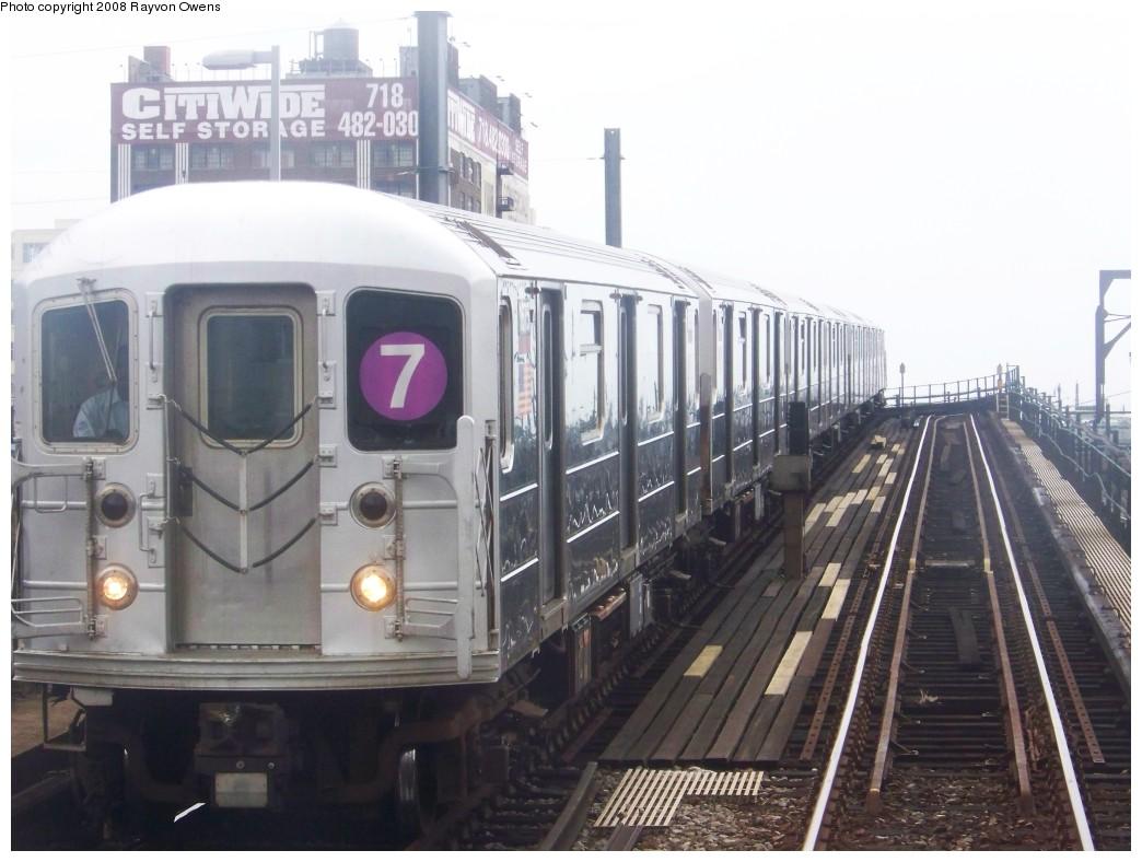 (170k, 1044x788)<br><b>Country:</b> United States<br><b>City:</b> New York<br><b>System:</b> New York City Transit<br><b>Line:</b> IRT Flushing Line<br><b>Location:</b> Hunterspoint Avenue <br><b>Route:</b> 7<br><b>Car:</b> R-62A (Bombardier, 1984-1987)  1675 <br><b>Photo by:</b> Rayvon Owens<br><b>Date:</b> 6/15/2008<br><b>Viewed (this week/total):</b> 3 / 2004