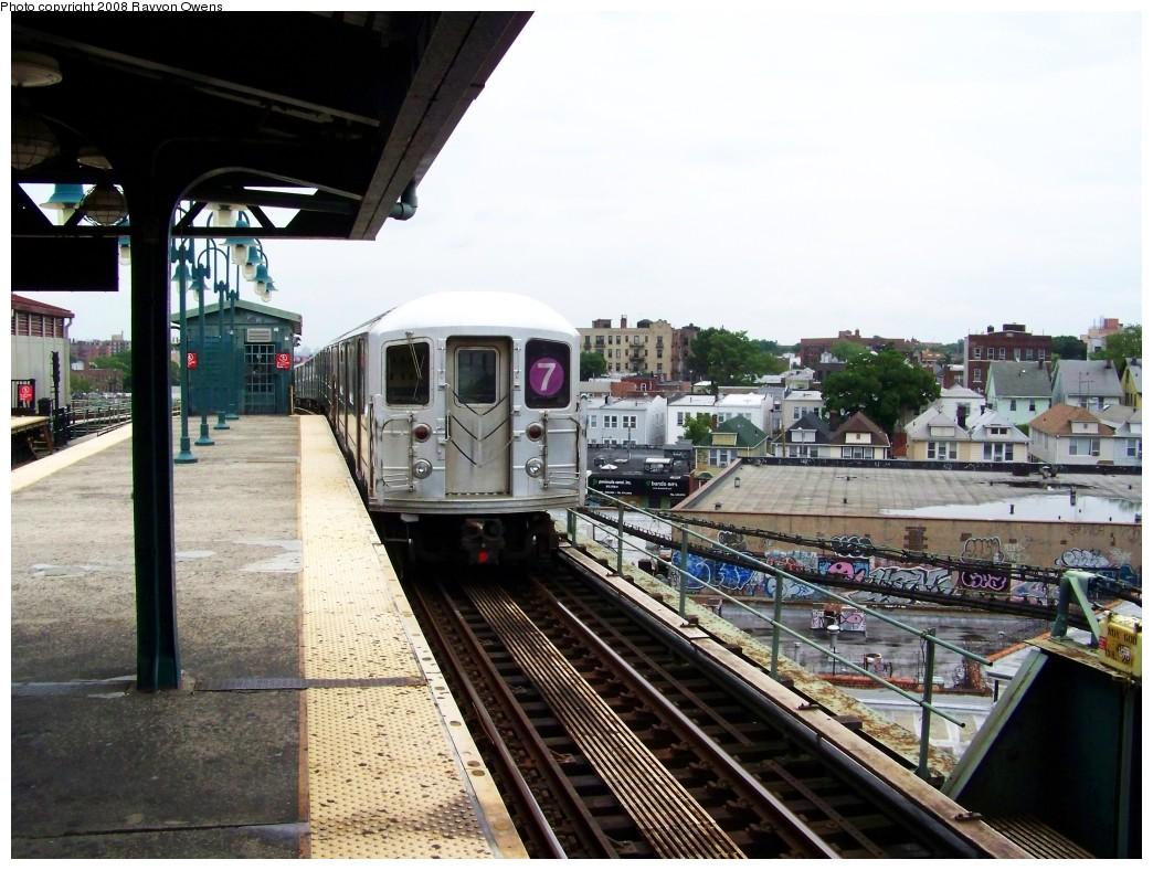 (218k, 1044x788)<br><b>Country:</b> United States<br><b>City:</b> New York<br><b>System:</b> New York City Transit<br><b>Line:</b> IRT Flushing Line<br><b>Location:</b> 61st Street/Woodside <br><b>Route:</b> 7<br><b>Car:</b> R-62A (Bombardier, 1984-1987)  1866 <br><b>Photo by:</b> Rayvon Owens<br><b>Date:</b> 6/15/2008<br><b>Viewed (this week/total):</b> 0 / 1395