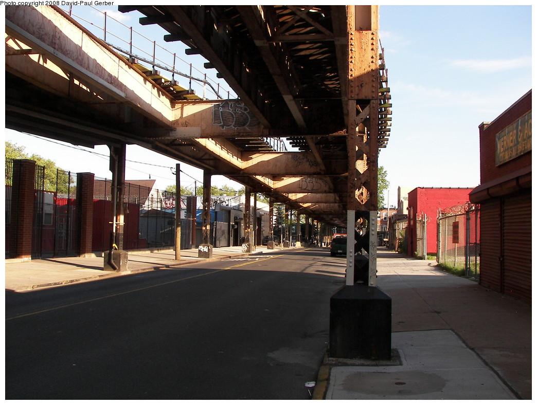(277k, 1044x788)<br><b>Country:</b> United States<br><b>City:</b> New York<br><b>System:</b> New York City Transit<br><b>Line:</b> BMT Nassau Street/Jamaica Line<br><b>Location:</b> Cypress Hills <br><b>Photo by:</b> David-Paul Gerber<br><b>Date:</b> 6/11/2008<br><b>Viewed (this week/total):</b> 0 / 2158