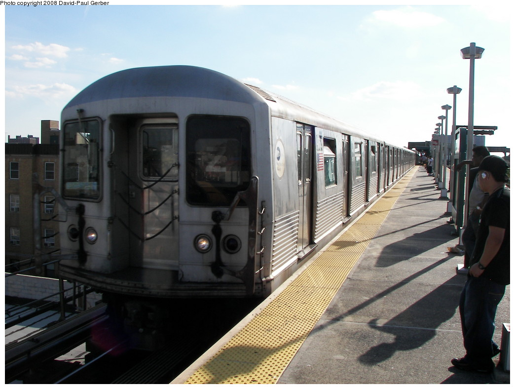 (242k, 1044x788)<br><b>Country:</b> United States<br><b>City:</b> New York<br><b>System:</b> New York City Transit<br><b>Line:</b> BMT Nassau Street/Jamaica Line<br><b>Location:</b> Alabama Avenue <br><b>Route:</b> Z<br><b>Car:</b> R-42 (St. Louis, 1969-1970)  4760 <br><b>Photo by:</b> David-Paul Gerber<br><b>Date:</b> 6/11/2008<br><b>Viewed (this week/total):</b> 0 / 1590