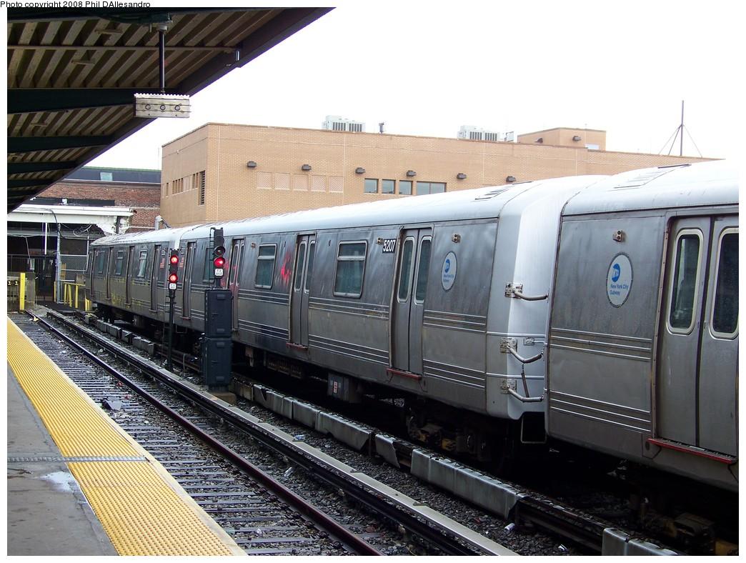 (252k, 1044x788)<br><b>Country:</b> United States<br><b>City:</b> New York<br><b>System:</b> New York City Transit<br><b>Location:</b> Rockaway Park Yard<br><b>Car:</b> R-44 (St. Louis, 1971-73) 5207 <br><b>Photo by:</b> Philip D'Allesandro<br><b>Date:</b> 6/15/2008<br><b>Viewed (this week/total):</b> 0 / 1344
