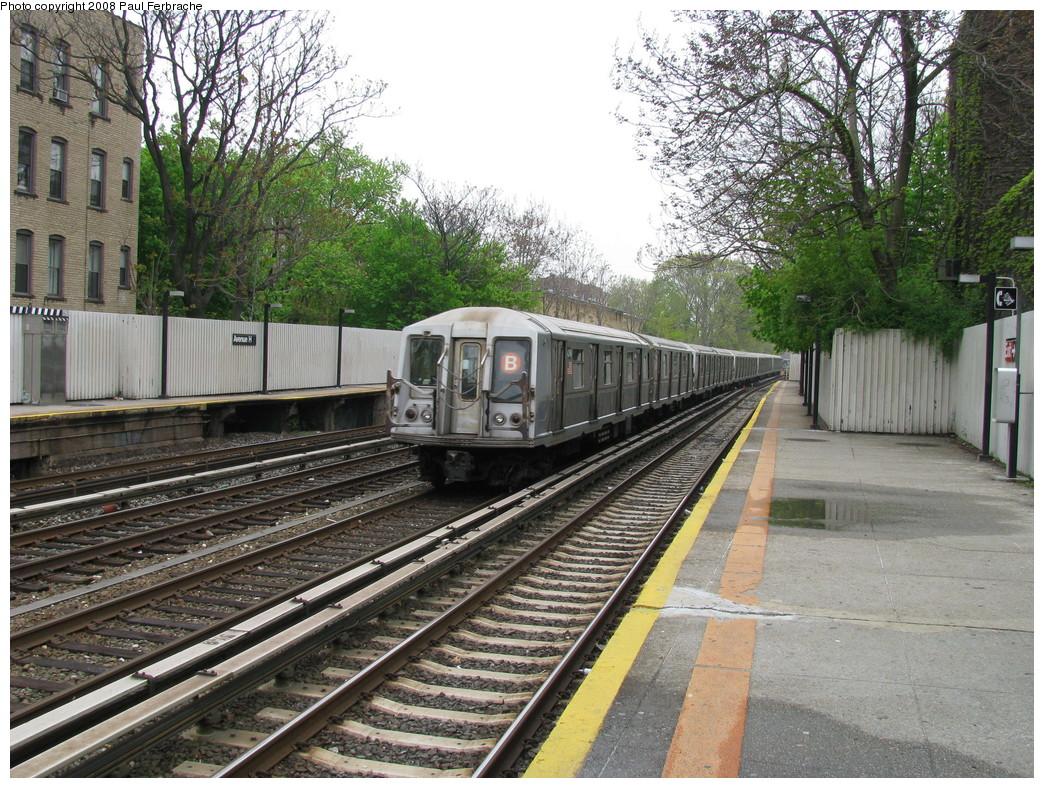 (335k, 1044x788)<br><b>Country:</b> United States<br><b>City:</b> New York<br><b>System:</b> New York City Transit<br><b>Line:</b> BMT Brighton Line<br><b>Location:</b> Avenue H <br><b>Route:</b> B<br><b>Car:</b> R-40 (St. Louis, 1968)  4264 <br><b>Photo by:</b> Paul Ferbrache<br><b>Date:</b> 5/2/2008<br><b>Viewed (this week/total):</b> 0 / 1664