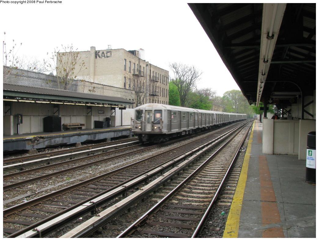 (253k, 1044x788)<br><b>Country:</b> United States<br><b>City:</b> New York<br><b>System:</b> New York City Transit<br><b>Line:</b> BMT Brighton Line<br><b>Location:</b> Avenue H <br><b>Route:</b> B<br><b>Car:</b> R-40 (St. Louis, 1968)  4274 <br><b>Photo by:</b> Paul Ferbrache<br><b>Date:</b> 5/2/2008<br><b>Viewed (this week/total):</b> 1 / 1793