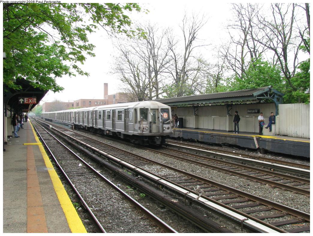 (368k, 1044x788)<br><b>Country:</b> United States<br><b>City:</b> New York<br><b>System:</b> New York City Transit<br><b>Line:</b> BMT Brighton Line<br><b>Location:</b> Avenue M <br><b>Route:</b> B<br><b>Car:</b> R-40 (St. Louis, 1968)  4404 <br><b>Photo by:</b> Paul Ferbrache<br><b>Date:</b> 5/2/2008<br><b>Viewed (this week/total):</b> 0 / 1583