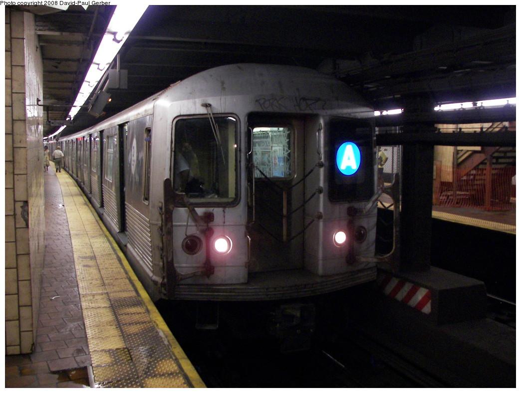 (261k, 1044x788)<br><b>Country:</b> United States<br><b>City:</b> New York<br><b>System:</b> New York City Transit<br><b>Line:</b> IND 8th Avenue Line<br><b>Location:</b> 125th Street <br><b>Route:</b> A<br><b>Car:</b> R-42 (St. Louis, 1969-1970)   <br><b>Photo by:</b> David-Paul Gerber<br><b>Date:</b> 6/9/2008<br><b>Viewed (this week/total):</b> 1 / 3179