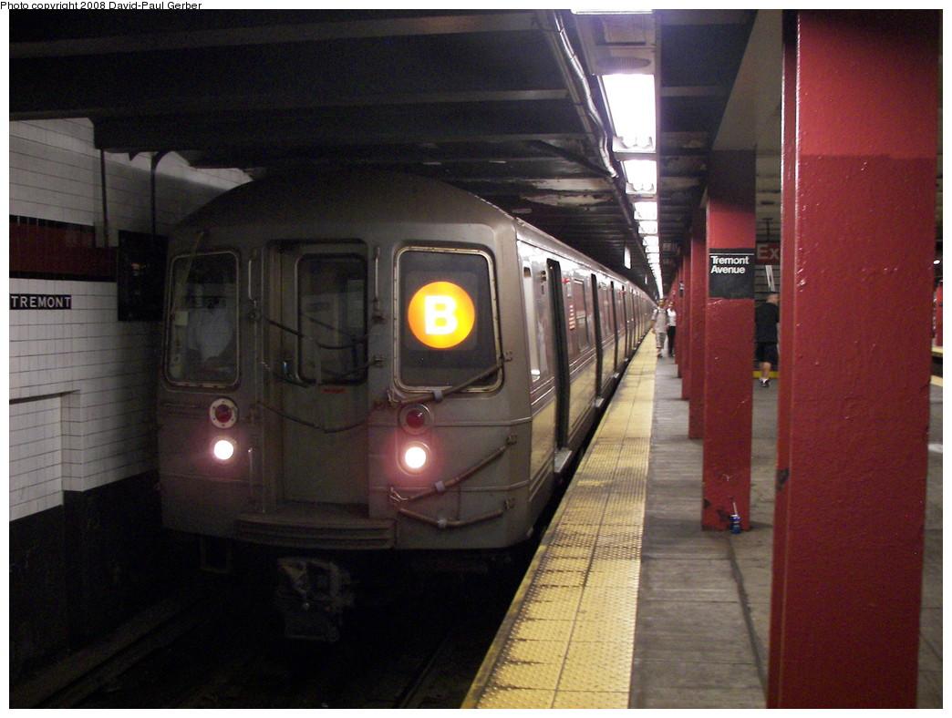 (262k, 1044x788)<br><b>Country:</b> United States<br><b>City:</b> New York<br><b>System:</b> New York City Transit<br><b>Line:</b> IND Concourse Line<br><b>Location:</b> Tremont Avenue <br><b>Route:</b> D<br><b>Car:</b> R-68 (Westinghouse-Amrail, 1986-1988)  2878 <br><b>Photo by:</b> David-Paul Gerber<br><b>Date:</b> 6/9/2008<br><b>Viewed (this week/total):</b> 2 / 2402
