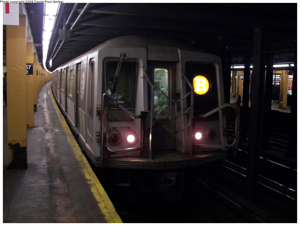 (236k, 1044x788)<br><b>Country:</b> United States<br><b>City:</b> New York<br><b>System:</b> New York City Transit<br><b>Line:</b> IND Concourse Line<br><b>Location:</b> 167th Street <br><b>Route:</b> B<br><b>Car:</b> R-40 (St. Louis, 1968)  4287 <br><b>Photo by:</b> David-Paul Gerber<br><b>Date:</b> 6/9/2008<br><b>Viewed (this week/total):</b> 1 / 1751