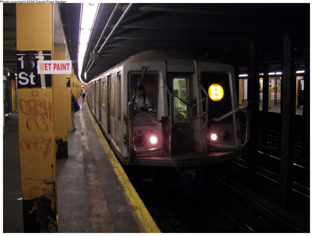 (240k, 1044x788)<br><b>Country:</b> United States<br><b>City:</b> New York<br><b>System:</b> New York City Transit<br><b>Line:</b> IND Concourse Line<br><b>Location:</b> 167th Street <br><b>Route:</b> B<br><b>Car:</b> R-40 (St. Louis, 1968)  4354 <br><b>Photo by:</b> David-Paul Gerber<br><b>Date:</b> 6/9/2008<br><b>Viewed (this week/total):</b> 1 / 2464