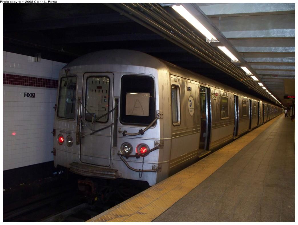 (184k, 1044x788)<br><b>Country:</b> United States<br><b>City:</b> New York<br><b>System:</b> New York City Transit<br><b>Line:</b> IND 8th Avenue Line<br><b>Location:</b> 207th Street <br><b>Route:</b> A<br><b>Car:</b> R-44 (St. Louis, 1971-73) 5242 <br><b>Photo by:</b> Glenn L. Rowe<br><b>Date:</b> 6/19/2008<br><b>Viewed (this week/total):</b> 3 / 2257
