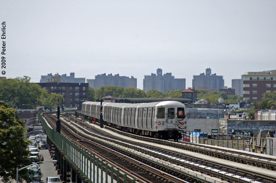 (209k, 930x618)<br><b>Country:</b> United States<br><b>City:</b> New York<br><b>System:</b> New York City Transit<br><b>Line:</b> BMT Culver Line<br><b>Location:</b> Avenue P <br><b>Route:</b> F<br><b>Car:</b> R-46 (Pullman-Standard, 1974-75) 5606 <br><b>Photo by:</b> Peter Ehrlich<br><b>Date:</b> 7/22/2009<br><b>Notes:</b> Outbound<br><b>Viewed (this week/total):</b> 0 / 743