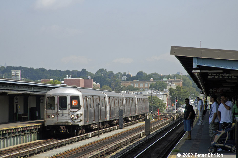 (176k, 930x618)<br><b>Country:</b> United States<br><b>City:</b> New York<br><b>System:</b> New York City Transit<br><b>Line:</b> BMT Culver Line<br><b>Location:</b> Ditmas Avenue <br><b>Route:</b> F<br><b>Car:</b> R-46 (Pullman-Standard, 1974-75) 5854 <br><b>Photo by:</b> Peter Ehrlich<br><b>Date:</b> 7/22/2009<br><b>Notes:</b> Outbound<br><b>Viewed (this week/total):</b> 0 / 970