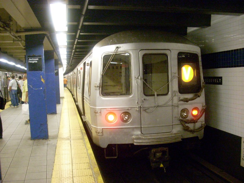 (154k, 800x600)<br><b>Country:</b> United States<br><b>City:</b> New York<br><b>System:</b> New York City Transit<br><b>Line:</b> IND Queens Boulevard Line<br><b>Location:</b> Roosevelt Avenue <br><b>Route:</b> V<br><b>Car:</b> R-46 (Pullman-Standard, 1974-75) 6014 <br><b>Photo by:</b> Bill E.<br><b>Date:</b> 6/25/2008<br><b>Viewed (this week/total):</b> 2 / 1661