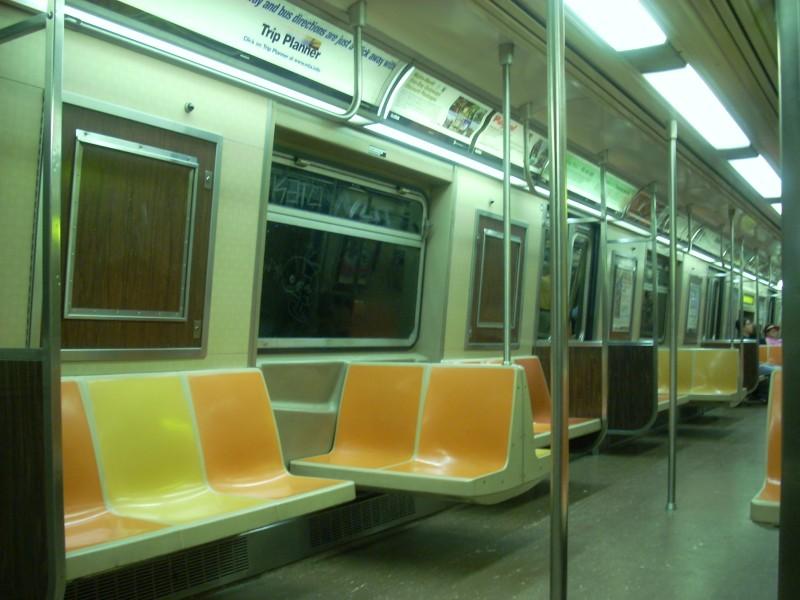 (140k, 800x600)<br><b>Country:</b> United States<br><b>City:</b> New York<br><b>System:</b> New York City Transit<br><b>Route:</b> V<br><b>Car:</b> R-46 (Pullman-Standard, 1974-75) 5556 <br><b>Photo by:</b> Bill E.<br><b>Date:</b> 6/25/2008<br><b>Viewed (this week/total):</b> 0 / 1462