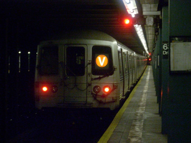 (137k, 800x600)<br><b>Country:</b> United States<br><b>City:</b> New York<br><b>System:</b> New York City Transit<br><b>Line:</b> IND Queens Boulevard Line<br><b>Location:</b> 63rd Drive/Rego Park <br><b>Route:</b> V<br><b>Car:</b> R-46 (Pullman-Standard, 1974-75) 5556 <br><b>Photo by:</b> Bill E.<br><b>Date:</b> 6/25/2008<br><b>Viewed (this week/total):</b> 2 / 1836