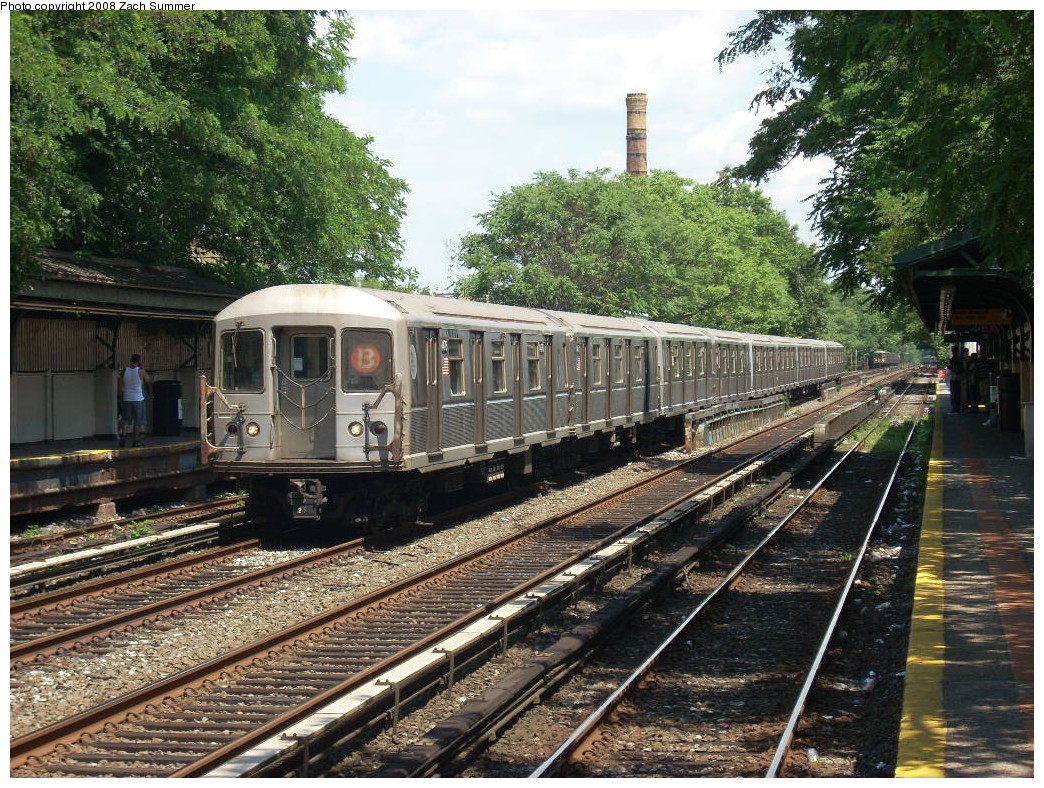 (379k, 1044x788)<br><b>Country:</b> United States<br><b>City:</b> New York<br><b>System:</b> New York City Transit<br><b>Line:</b> BMT Brighton Line<br><b>Location:</b> Avenue M <br><b>Route:</b> B<br><b>Car:</b> R-40M (St. Louis, 1969)   <br><b>Photo by:</b> Zach Summer<br><b>Date:</b> 6/24/2008<br><b>Viewed (this week/total):</b> 0 / 1743