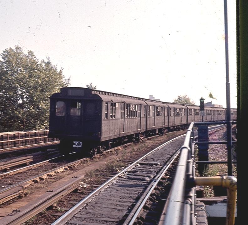 (88k, 791x717)<br><b>Country:</b> United States<br><b>City:</b> New York<br><b>System:</b> New York City Transit<br><b>Line:</b> BMT Brighton Line<br><b>Location:</b> Sheepshead Bay <br><b>Car:</b> BMT D-Type Triplex  <br><b>Photo by:</b> Brian J. Cudahy<br><b>Notes:</b> BMT D units in Brighton Express service.<br><b>Viewed (this week/total):</b> 2 / 1580