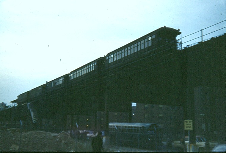 (87k, 760x513)<br><b>Country:</b> United States<br><b>City:</b> New York<br><b>System:</b> New York City Transit<br><b>Line:</b> BMT Myrtle Avenue Line<br><b>Location:</b> Navy Street <br><b>Car:</b> BMT Elevated Gate Car  <br><b>Photo by:</b> Brian J. Cudahy<br><b>Notes:</b> Circa 1954-58.<br><b>Viewed (this week/total):</b> 0 / 2459