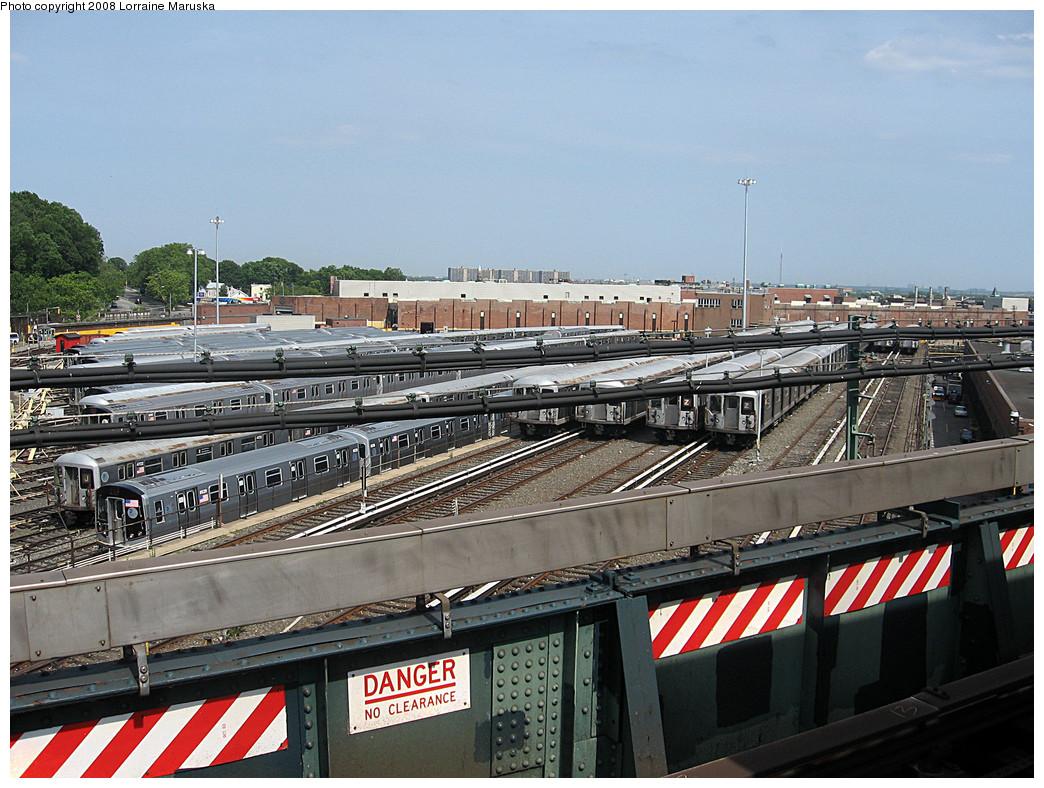 (324k, 1044x788)<br><b>Country:</b> United States<br><b>City:</b> New York<br><b>System:</b> New York City Transit<br><b>Location:</b> East New York Yard/Shops<br><b>Photo by:</b> Lorraine Maruska<br><b>Date:</b> 6/3/2008<br><b>Notes:</b> Still some R42s left at East New York Yard.<br><b>Viewed (this week/total):</b> 3 / 1296