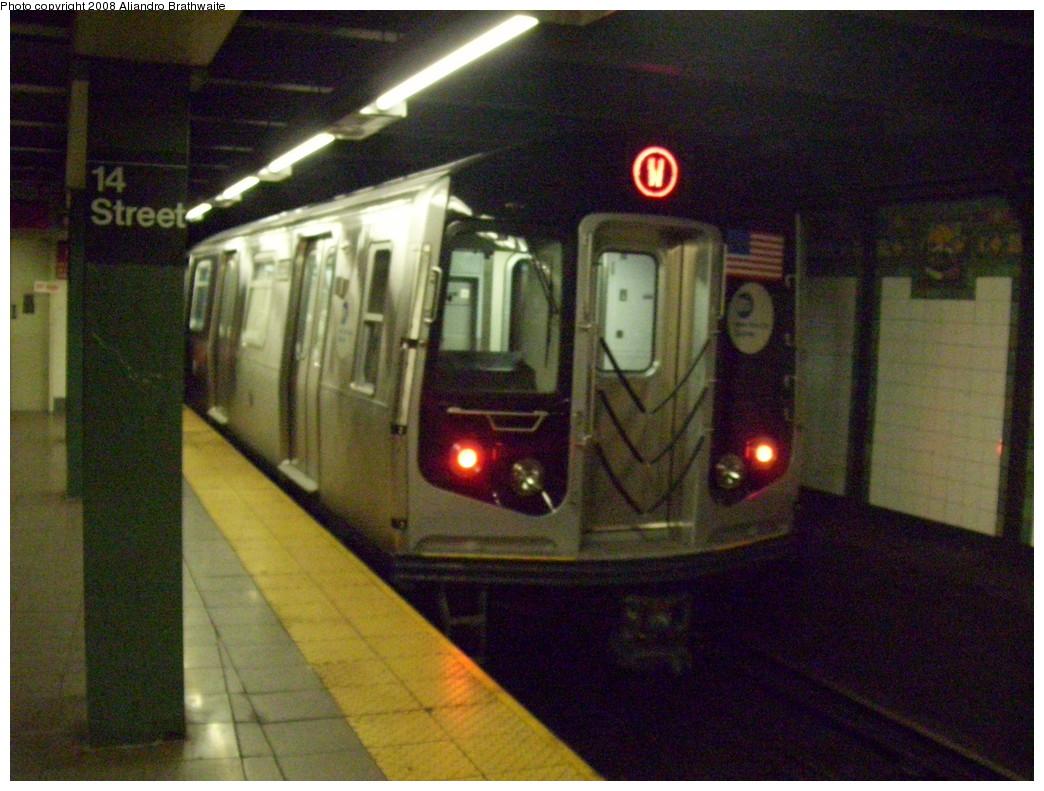(250k, 1044x791)<br><b>Country:</b> United States<br><b>City:</b> New York<br><b>System:</b> New York City Transit<br><b>Line:</b> BMT Broadway Line<br><b>Location:</b> 14th Street/Union Square <br><b>Route:</b> W<br><b>Car:</b> R-160B (Option 1) (Kawasaki, 2008-2009)  8993 <br><b>Photo by:</b> Aliandro Brathwaite<br><b>Date:</b> 7/1/2008<br><b>Viewed (this week/total):</b> 4 / 3440