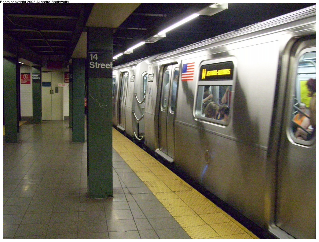 (259k, 1044x791)<br><b>Country:</b> United States<br><b>City:</b> New York<br><b>System:</b> New York City Transit<br><b>Line:</b> BMT Broadway Line<br><b>Location:</b> 14th Street/Union Square <br><b>Route:</b> W<br><b>Car:</b> R-160B (Option 1) (Kawasaki, 2008-2009)  8996 <br><b>Photo by:</b> Aliandro Brathwaite<br><b>Date:</b> 7/1/2008<br><b>Viewed (this week/total):</b> 0 / 3673