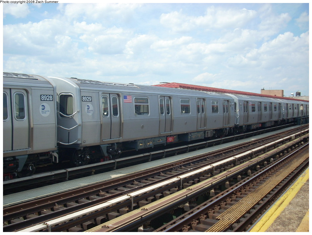 (256k, 1044x788)<br><b>Country:</b> United States<br><b>City:</b> New York<br><b>System:</b> New York City Transit<br><b>Line:</b> BMT Astoria Line<br><b>Location:</b> 39th/Beebe Aves. <br><b>Route:</b> N<br><b>Car:</b> R-160B (Kawasaki, 2005-2008)  8929 <br><b>Photo by:</b> Zach Summer<br><b>Date:</b> 6/25/2008<br><b>Viewed (this week/total):</b> 3 / 2181
