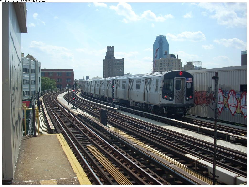(274k, 1044x788)<br><b>Country:</b> United States<br><b>City:</b> New York<br><b>System:</b> New York City Transit<br><b>Line:</b> BMT Astoria Line<br><b>Location:</b> 39th/Beebe Aves. <br><b>Route:</b> N<br><b>Car:</b> R-160B (Kawasaki, 2005-2008)  8927 <br><b>Photo by:</b> Zach Summer<br><b>Date:</b> 6/25/2008<br><b>Viewed (this week/total):</b> 2 / 2068