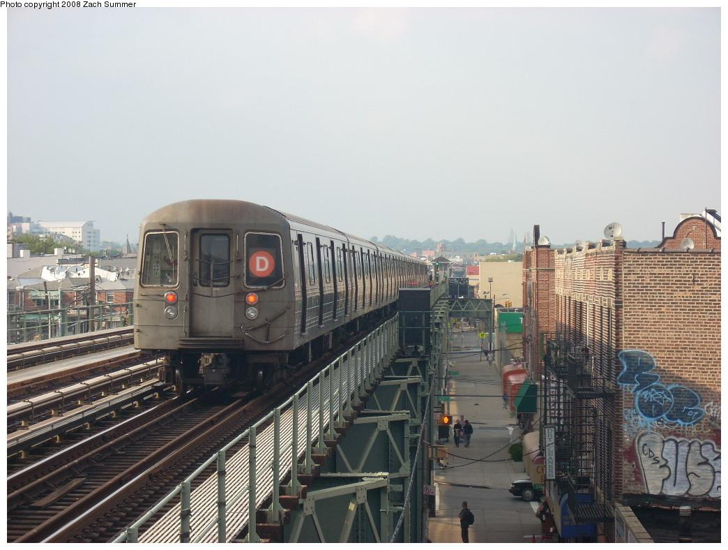 (253k, 1044x788)<br><b>Country:</b> United States<br><b>City:</b> New York<br><b>System:</b> New York City Transit<br><b>Line:</b> BMT West End Line<br><b>Location:</b> 71st Street <br><b>Route:</b> D<br><b>Car:</b> R-68 (Westinghouse-Amrail, 1986-1988)   <br><b>Photo by:</b> Zach Summer<br><b>Date:</b> 6/26/2008<br><b>Viewed (this week/total):</b> 0 / 1553