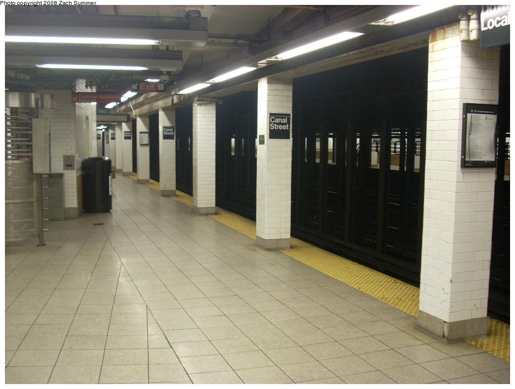 (217k, 1044x788)<br><b>Country:</b> United States<br><b>City:</b> New York<br><b>System:</b> New York City Transit<br><b>Line:</b> IRT East Side Line<br><b>Location:</b> Canal Street <br><b>Photo by:</b> Zach Summer<br><b>Date:</b> 6/29/2008<br><b>Notes:</b> Platform view.<br><b>Viewed (this week/total):</b> 1 / 2149