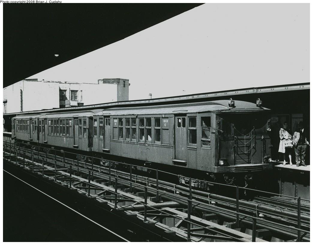 (195k, 1044x817)<br><b>Country:</b> United States<br><b>City:</b> New York<br><b>System:</b> New York City Transit<br><b>Line:</b> BMT Myrtle Avenue Line<br><b>Location:</b> Knickerbocker Avenue <br><b>Car:</b> BMT Q 1613 <br><b>Photo by:</b> Brian J. Cudahy<br><b>Notes:</b> QA units (with lowered roof profile) in Myrtle service, ca 1960.<br><b>Viewed (this week/total):</b> 1 / 1774