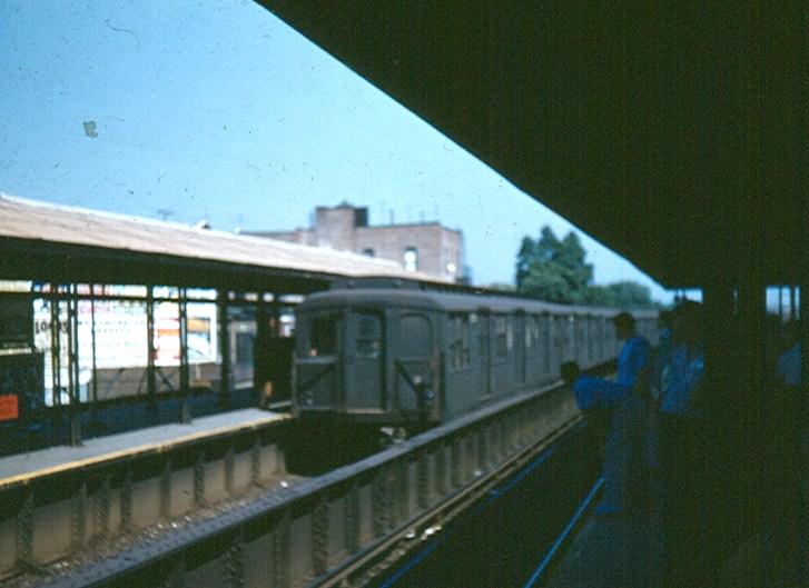 (114k, 727x529)<br><b>Country:</b> United States<br><b>City:</b> New York<br><b>System:</b> New York City Transit<br><b>Line:</b> BMT Brighton Line<br><b>Location:</b> Kings Highway <br><b>Car:</b> BMT A/B-Type Standard  <br><b>Photo by:</b> Brian J. Cudahy<br><b>Date:</b> 1954<br><b>Notes:</b> Brighton Beach-bound Brighton Express at Kings Highway.<br><b>Viewed (this week/total):</b> 2 / 1434