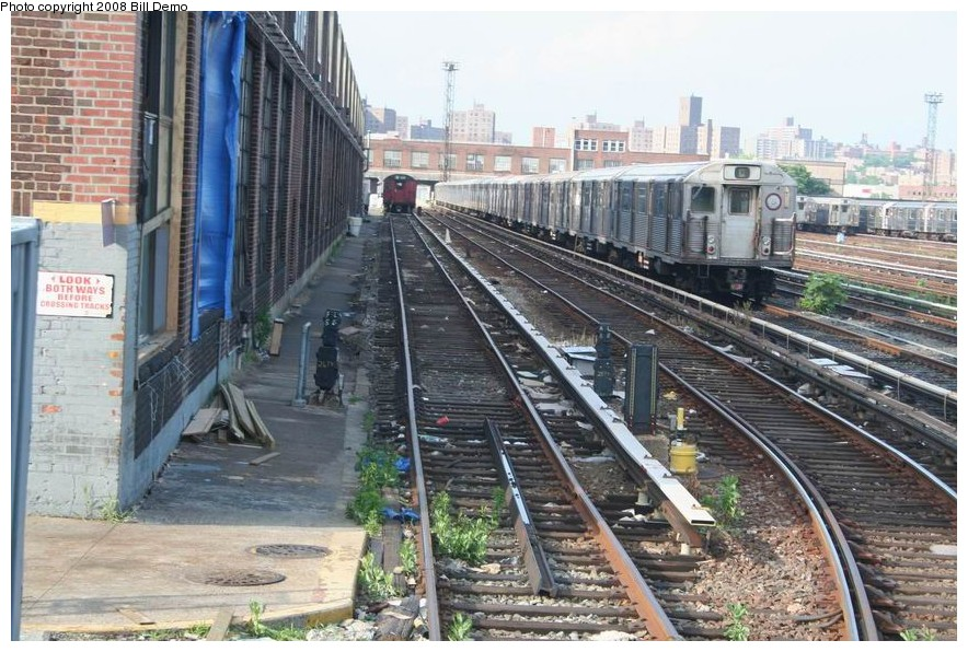 (193k, 884x596)<br><b>Country:</b> United States<br><b>City:</b> New York<br><b>System:</b> New York City Transit<br><b>Location:</b> 207th Street Yard<br><b>Car:</b> R-38 (St. Louis, 1966-1967)   <br><b>Photo by:</b> Pete Monty<br><b>Collection of:</b> Bill Demo<br><b>Date:</b> 6/16/2008<br><b>Viewed (this week/total):</b> 0 / 1801
