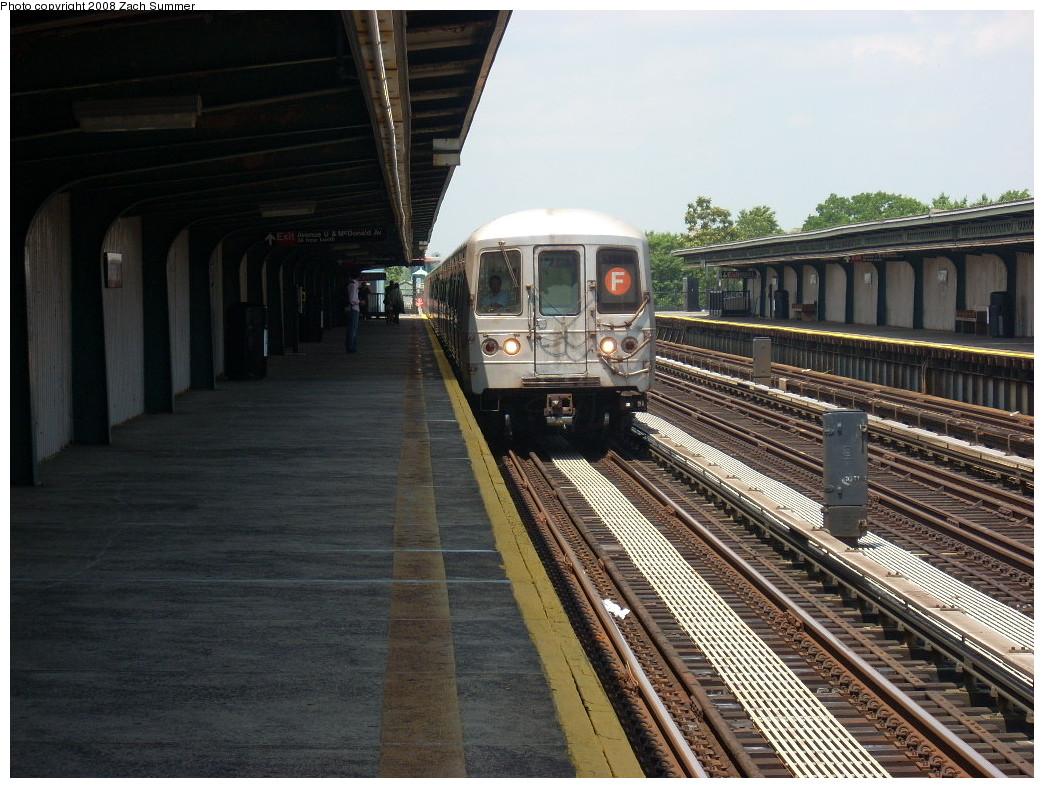 (276k, 1044x788)<br><b>Country:</b> United States<br><b>City:</b> New York<br><b>System:</b> New York City Transit<br><b>Line:</b> BMT Culver Line<br><b>Location:</b> Avenue U <br><b>Route:</b> F<br><b>Car:</b> R-46 (Pullman-Standard, 1974-75) 5538 <br><b>Photo by:</b> Zach Summer<br><b>Date:</b> 6/30/2008<br><b>Viewed (this week/total):</b> 4 / 1598