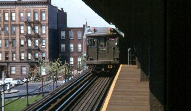 (78k, 636x370)<br><b>Country:</b> United States<br><b>City:</b> New York<br><b>System:</b> New York City Transit<br><b>Line:</b> 3rd Avenue El<br><b>Location:</b> 133rd Street<br><b>Car:</b> BMT Q  <br><b>Photo by:</b> Brian J. Cudahy<br><b>Date:</b> 1955<br><b>Viewed (this week/total):</b> 4 / 3518