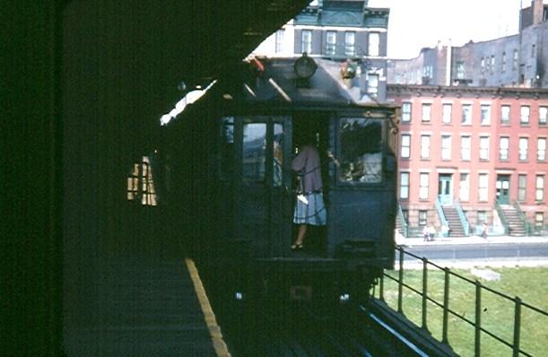 (82k, 611x398)<br><b>Country:</b> United States<br><b>City:</b> New York<br><b>System:</b> New York City Transit<br><b>Line:</b> 3rd Avenue El<br><b>Location:</b> 133rd Street <br><b>Car:</b> MUDC  <br><b>Photo by:</b> Brian J. Cudahy<br><b>Date:</b> 1955<br><b>Viewed (this week/total):</b> 6 / 2872