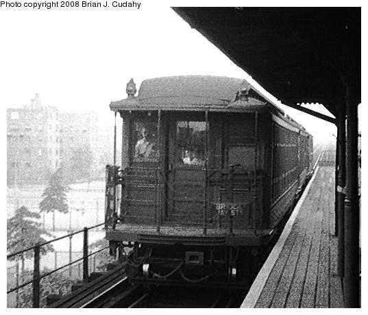 (101k, 537x460)<br><b>Country:</b> United States<br><b>City:</b> New York<br><b>System:</b> New York City Transit<br><b>Line:</b> BMT Myrtle Avenue Line<br><b>Car:</b> BMT Elevated Gate Car  <br><b>Photo by:</b> Brian J. Cudahy<br><b>Date:</b> 1955<br><b>Notes:</b> BU units on Myrtle Avenue Line.<br><b>Viewed (this week/total):</b> 3 / 1490