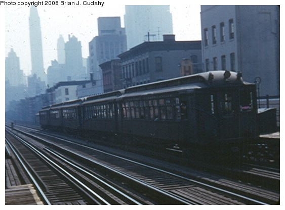 (59k, 563x416)<br><b>Country:</b> United States<br><b>City:</b> New York<br><b>System:</b> New York City Transit<br><b>Line:</b> 3rd Avenue El<br><b>Location:</b> 59th Street <br><b>Car:</b> MUDC  <br><b>Photo by:</b> Brian J. Cudahy<br><b>Date:</b> 1955<br><b>Notes:</b> Southbound train at 59th Street.<br><b>Viewed (this week/total):</b> 1 / 2245