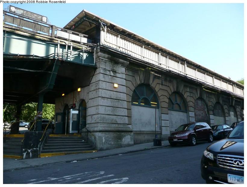 (156k, 820x620)<br><b>Country:</b> United States<br><b>City:</b> New York<br><b>System:</b> New York City Transit<br><b>Line:</b> IRT West Side Line<br><b>Location:</b> Dyckman Street <br><b>Photo by:</b> Robbie Rosenfeld<br><b>Date:</b> 5/29/2008<br><b>Notes:</b> Station house under tracks.<br><b>Viewed (this week/total):</b> 4 / 2275