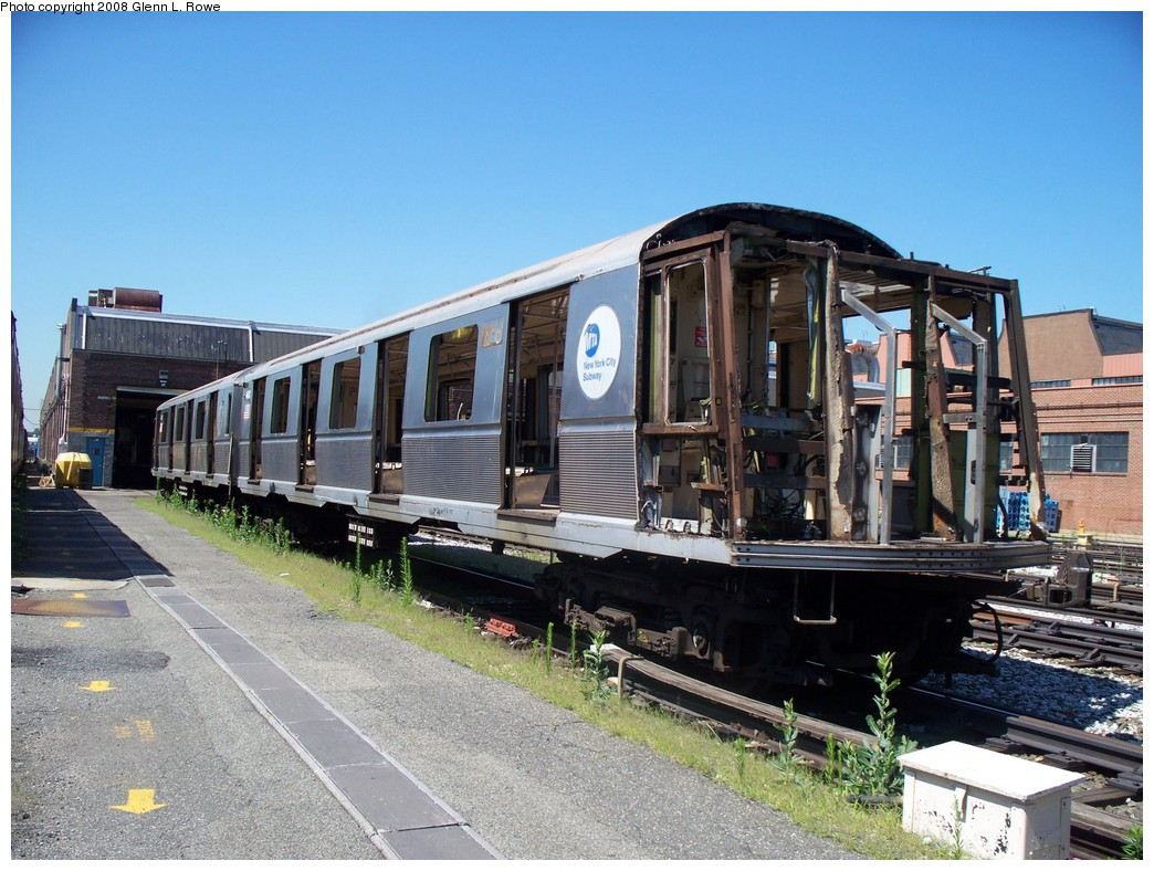 (249k, 1044x788)<br><b>Country:</b> United States<br><b>City:</b> New York<br><b>System:</b> New York City Transit<br><b>Location:</b> 207th Street Yard<br><b>Car:</b> R-40 (St. Louis, 1968)  4413 <br><b>Photo by:</b> Glenn L. Rowe<br><b>Date:</b> 7/11/2008<br><b>Notes:</b> Scrap<br><b>Viewed (this week/total):</b> 0 / 1233