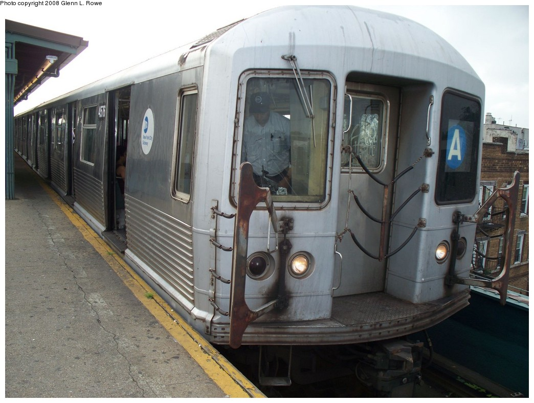 (212k, 1044x788)<br><b>Country:</b> United States<br><b>City:</b> New York<br><b>System:</b> New York City Transit<br><b>Line:</b> IND Fulton Street Line<br><b>Location:</b> Lefferts Boulevard <br><b>Route:</b> A<br><b>Car:</b> R-42 (St. Louis, 1969-1970)  4576 <br><b>Photo by:</b> Glenn L. Rowe<br><b>Date:</b> 7/7/2008<br><b>Viewed (this week/total):</b> 1 / 1458
