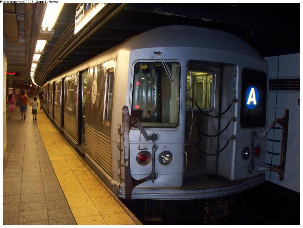 (189k, 1044x788)<br><b>Country:</b> United States<br><b>City:</b> New York<br><b>System:</b> New York City Transit<br><b>Line:</b> IND 8th Avenue Line<br><b>Location:</b> 207th Street <br><b>Route:</b> A<br><b>Car:</b> R-42 (St. Louis, 1969-1970)  4600 <br><b>Photo by:</b> Glenn L. Rowe<br><b>Date:</b> 7/10/2008<br><b>Viewed (this week/total):</b> 0 / 1113